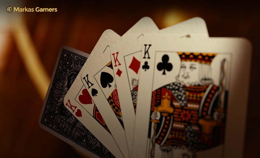 memilih kartu zynga poker